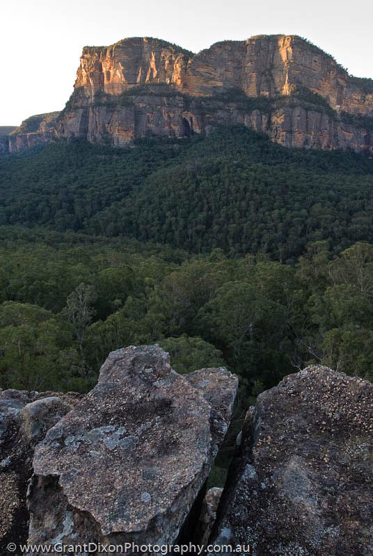 image of Mt Morgan cliffs