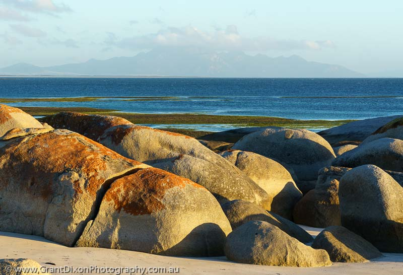 image of Lillies Bay boulders 1