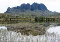 Eldon Bluff from Lk Ewart, Tasmanian Wilderness World Heritage Area